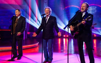 Tune-In: Ricky Skaggs, Gatlin Brothers Appear on this Weekend's Edition of HUCKABEE