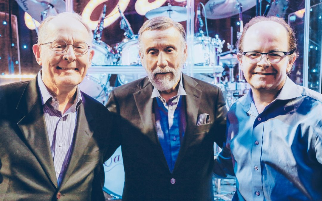 Photo Release: Senator Lamar Alexander Attends Ray Stevens Show at CabaRay